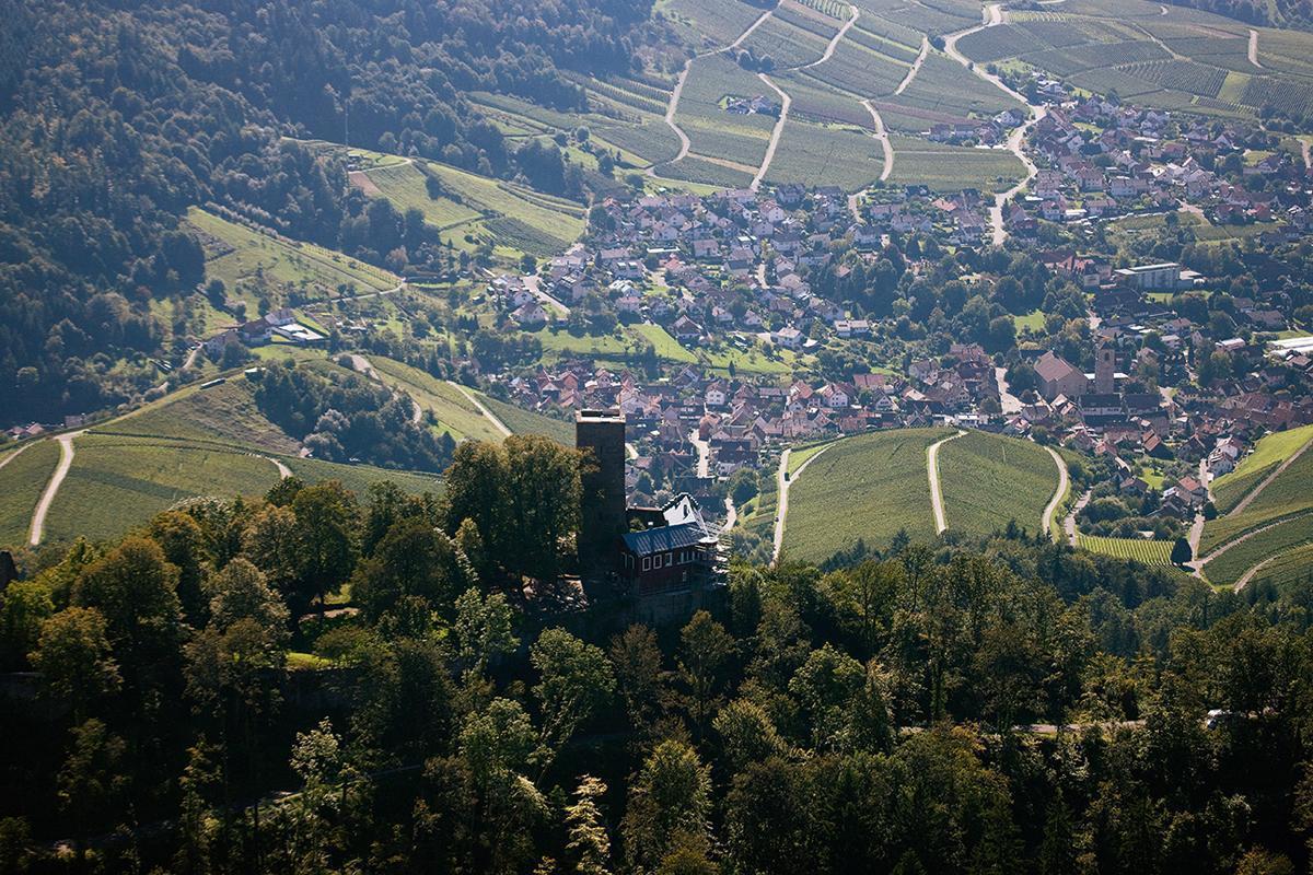 Ausblick von der Yburg; Foto: Staatliche Schlösser und Gärten Baden-Württemberg, Achim Mende
