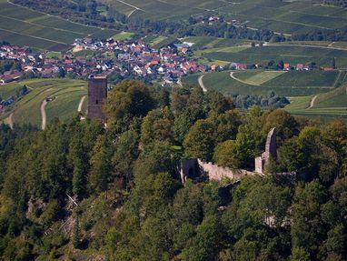 Yburg bei Baden-Baden, von dort schaut man nach Varnhalt